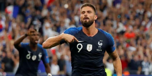 Olivier Giroud célébrant son but au stade de France face aux Pays-Bas.