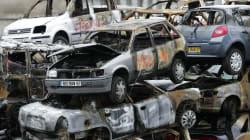 Le gouvernement accusé de minimiser le nombre de voitures brûlées lors du