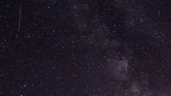 I fari della concessionaria impediscono di osservare le stelle: multa da 1700 al