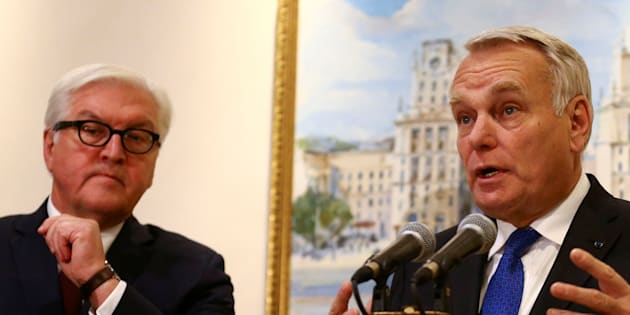 Jean-Marc Ayrault et Frank-Walter Steinmeier à Minsk, Belarus, le 29 novembre 2016. REUTERS/Vasily Fedosenko