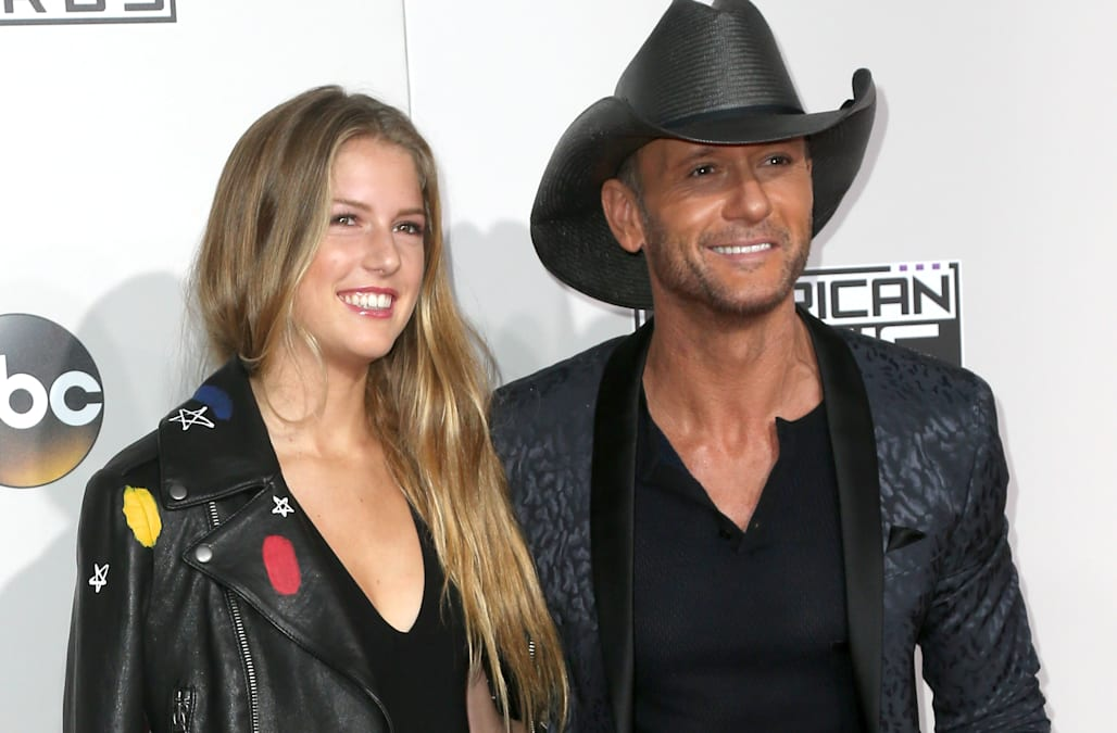 Tim mcgraw brings his gorgeous daughter maggie to the for How old are faith hill s daughters