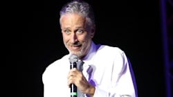 Jon Stewart Shows How To Win A Twitter War With Donald