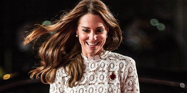 Le vent était joueur jeudi 3 novembre , avec Kate Middleton.