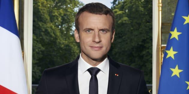 Pourquoi on se souviendra de la photo officielle de Macron.