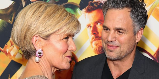 Julie Bishop with Mark Ruffalo at the Sydney premiere of Thor: Ragnarok.