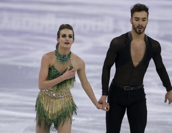 French ice dancing duo overcome 'nightmare' issue