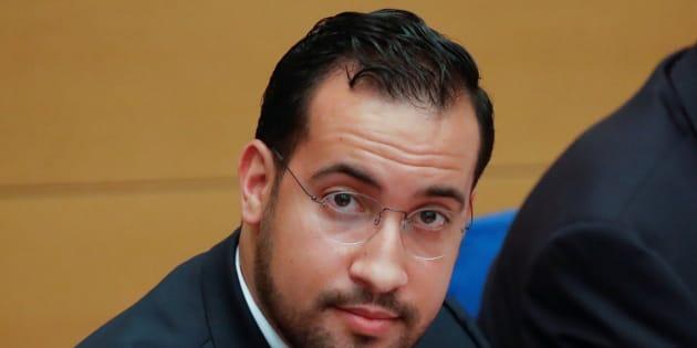 L'avocat d'Alexandre Benalla annonce sur Facebook qu'il lâche l'affaire.
