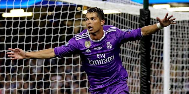 El jugador del Real Madrid Cristiano Ronaldo celebra el gol en la final de la Champions League en Cardiff.