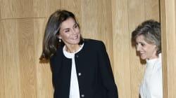Captan a la reina Letizia sin maquillaje y de compras en la