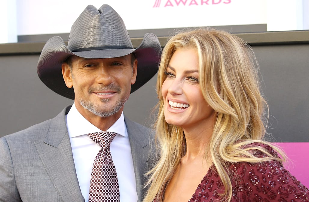 Tim Mcgraw And Faith Hill Talk 21st Wedding Anniversary How Touring Strengthened Their Marriage Exclusive