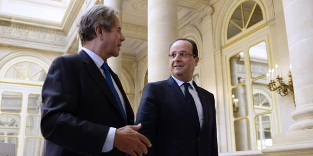 Jean-Louis Debré, ici en 2013 avec François Hollande, a révélé qu'il a voté pour le candidat de gauche en 2012.