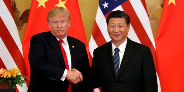 El presidente de EU, Donald Trump, y el presidente de China, Xi Jinping, hacen declaraciones conjuntas en el Gran Palacio del Pueblo en Beijing, China, el 9 de noviembre de 2017.