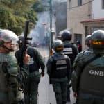Grupo de militares se alza contra el gobierno de Nicolás