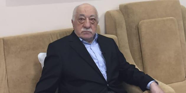 Qui est Fethullah Gülen - ici le 18 juillet 2016 - l'imam que la Turquie accuse d'être derrière l'assassinat de l'ambassadeur russe
