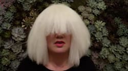 Kelly Clarkson Takes Her Sia Costume To The Next Level With A 'Chandelier'