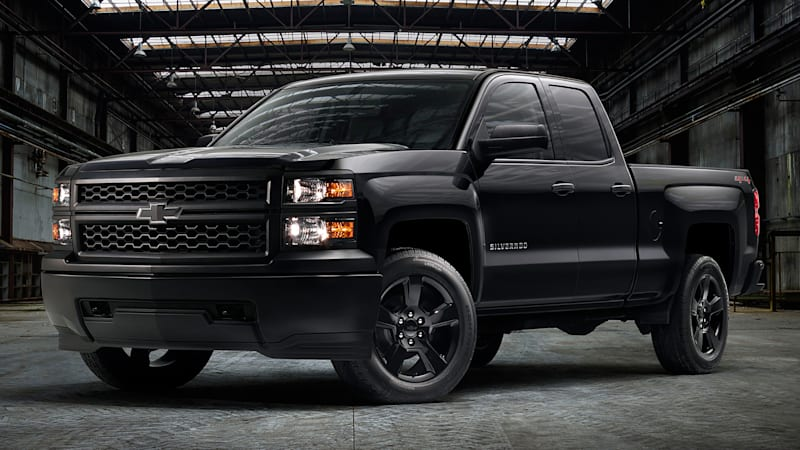 chevy silverado wt gets its own murdered out trim pack autoblog. Black Bedroom Furniture Sets. Home Design Ideas