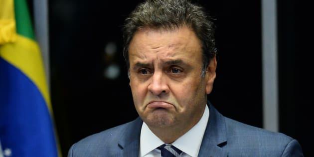 A denúncia acusa o senador Aécio Neves de receber R$ 2 milhões em propina do empresário Joesley Batista para cobrir despesas com advogados.