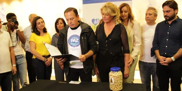 O prefeito João Doria lança o programa Alimento para Todos.