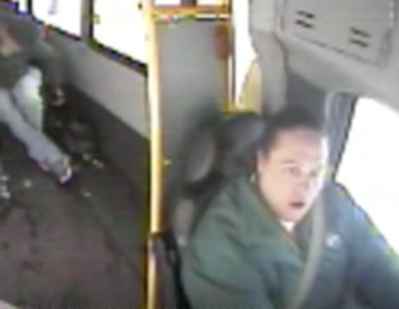 Bus driver saves 2 kids walking in 18-degree weather