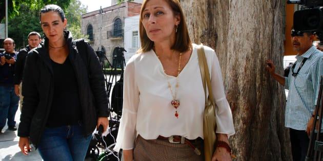 Tatiana Clouthier, a su llegada a la sede de la reunión con el virtual ganador de la elección presidencial, Andrés Manuel López Obrador, en la colonia Roma de esta ciudad. NOTIMEX/FOTO/JAVIER LIRA/JLO/POL/VOTO/NAL/