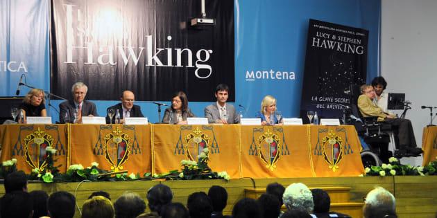 Un momento de la visita de Hawking al IES Rosalía de Castro