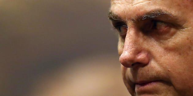 """Vamos integrar os índios à sociedade. Vamos tratá-los como seres humanos"", disse Jair Bolsonaro."