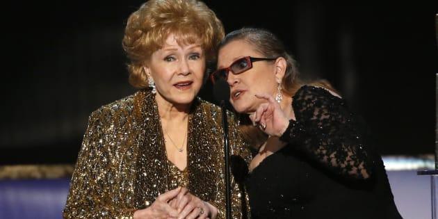 Debbie Reynolds, (ici en 2015) grande actrice d'Hollywood, est morte un jour après sa fille Carrie Fisher