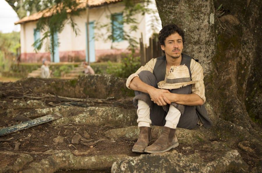 Aos 26 anos, ator pernambucano encarna protagonista inspirado no folclore brasileiro.