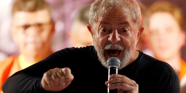 """""""Lula não representa, na história e no imaginário brasileiros, a elite nacional, que domina e atrasa o país há 500 anos."""""""