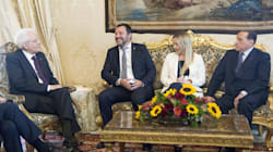 Salvini scavalca Berlusconi sul divanetto
