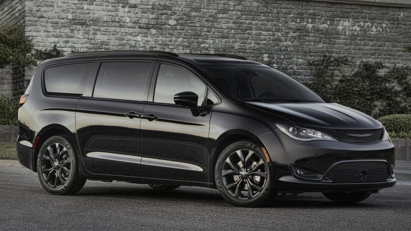 Fca Ceo Sergio Marchionne Reportedly Confirmed A Chrysler Pacifica Based Crossover Is On The Way And Will Be Ready Soon Autoblog