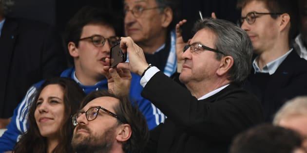 Le député des Bouches-du-Rhône Jean-Luc Mélenchon au stade Vélodrome lors de la demi-finale opposant l'OM à Salzbourg.