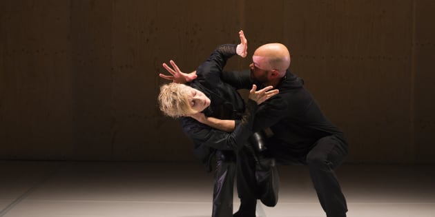 Mille Batailles/Battleground (2016), chorégraphie de Louise Lecavalier, photo : André Cornellier