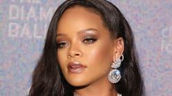 Rihanna ha indossato un vestito a forma di enorme fiocco. E ha fatto impazzire