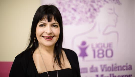 Dia 290: Debora Mafra, de dona de casa a