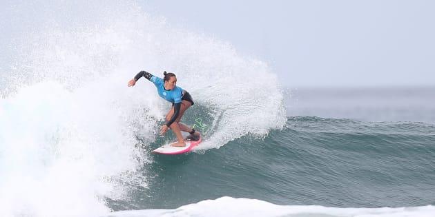 Dès 2019 dans le surf, femmes et hommes auront les mêmes primes en compétition