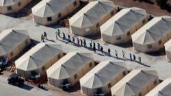 En la noche y sin aviso, más niños inmigrantes llegan a la ciudad de carpas en