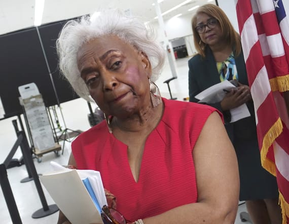 Election chief quits amid Florida's fraught recount