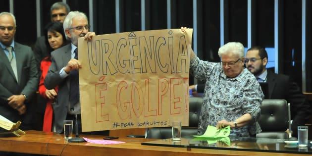 Plenário da Câmara dos Deputados aprova urgência para votar reforma trabalhista.