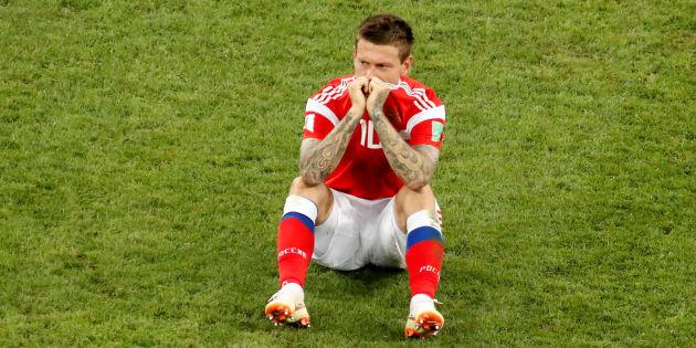 Fyodor Smolov se lamenta después de que Rusia perdiera con Croacia.