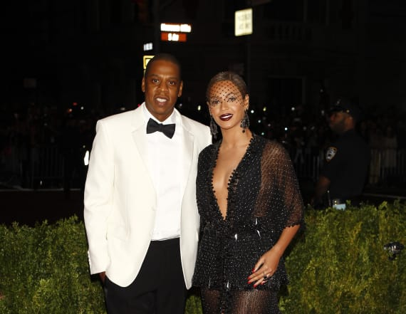 Beyoncé and Jay-Z make $120M bid for Calif. mansion