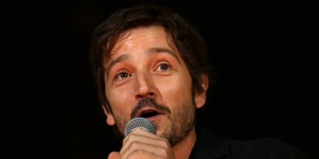 """Diego Luna, actor mexicano, intervino en la apertura del Festival """"Amplifica"""" en el Palacio de los Deportes."""