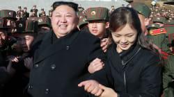 Tre figlie femmine, un passato da cheerleader e la passione per il canto: chi è la misteriosa moglie di Kim Jong
