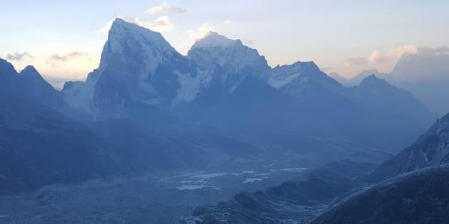 Une vue d'ensemble de la Khumbu Valley dans la région de l'Everest au Népal le 16 avril 2016.