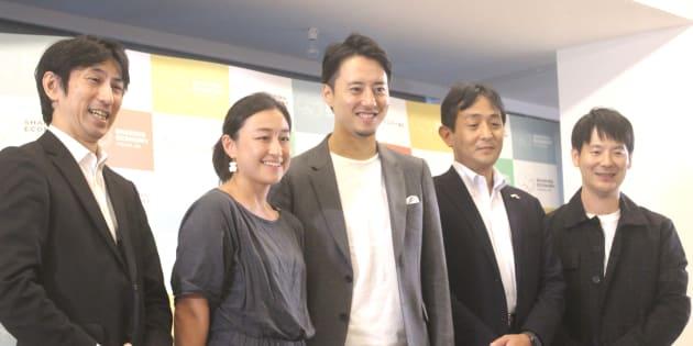 (左から)経済産業省の伊藤さん、Mirai Instituteの小柴美保さん、「WeWork」日本ゼネラルマネージャーの高橋正巳さん、住友生命保険相互会社の堀辰雄さん、クラウドワークス社長の吉田浩一郎さん