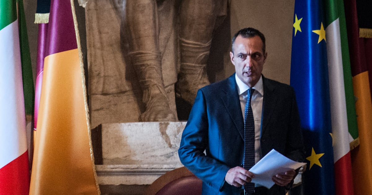 """Arresto De Vito, Luigi Di Maio: """"Decido io, è fuori da M5s"""",  Virginia Raggi: """"Nessuna indulgenza"""""""