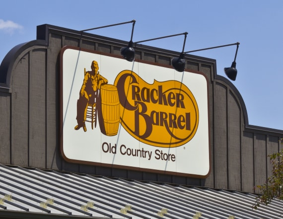 Black veteran sues Cracker Barrel for discrimination
