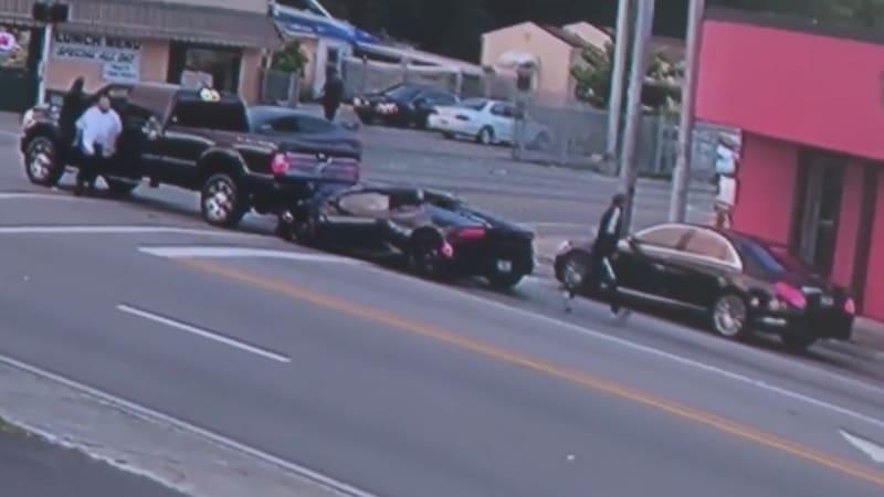 Florida man crashes Lamborghini into a Ford, flees in a Mercedes-Benz