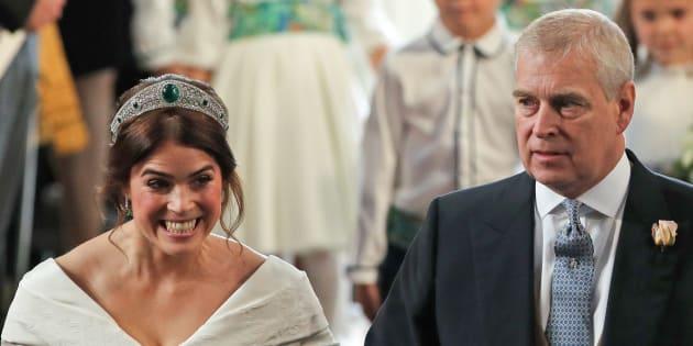 父親のヨーク公爵と歩くユージェニー王女
