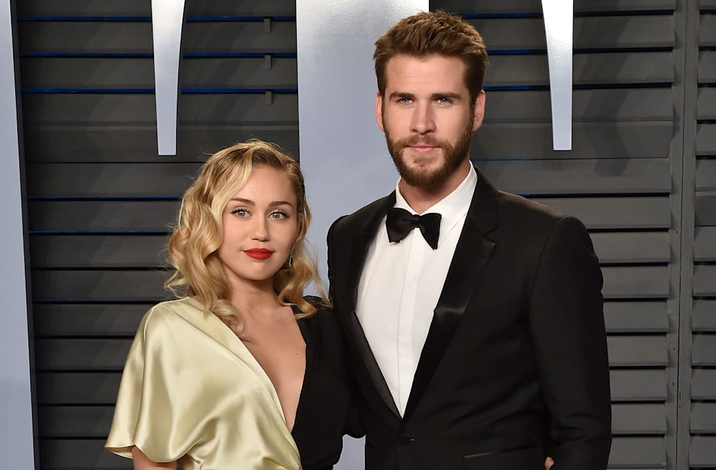 a63467d3738428 Miley Cyrus jokes about NSFW way she and Liam Hemsworth use FaceTime ...